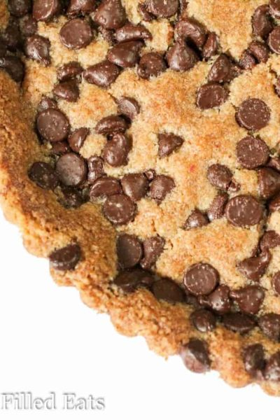 Giant Chocolate Chip Cookie Tart – Low Carb Keto THM S