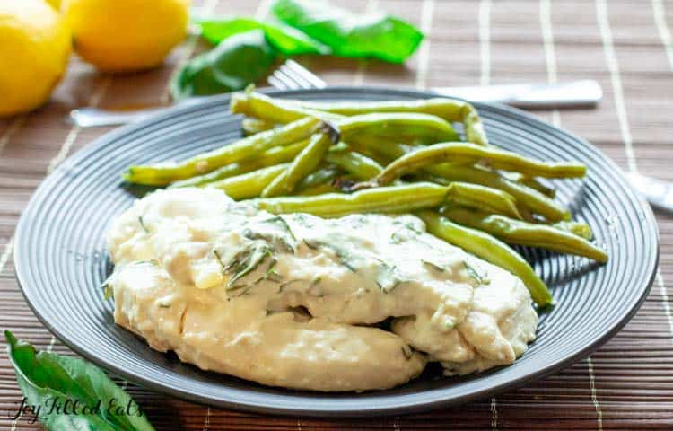 close up of the creamy lemon chicken recipe