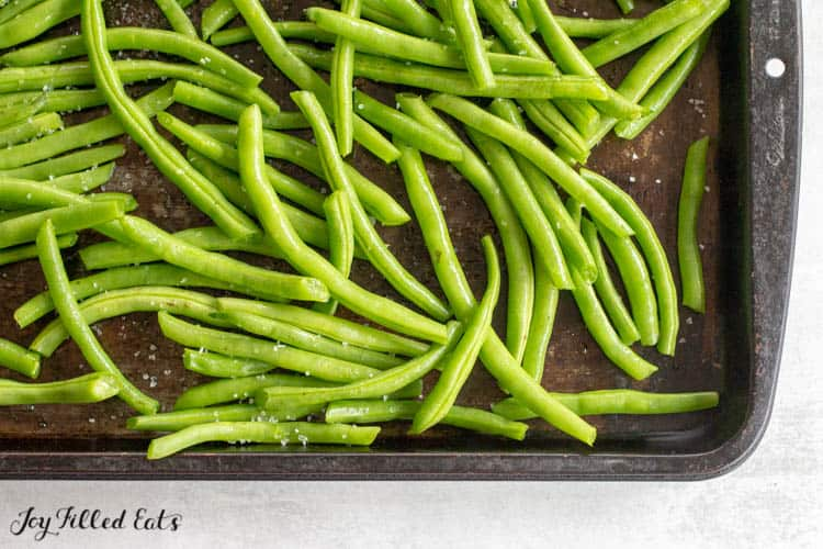 green beans on a baking sheet