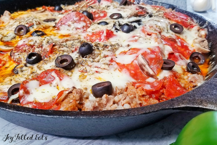 skillet meatzza with cheese and olives