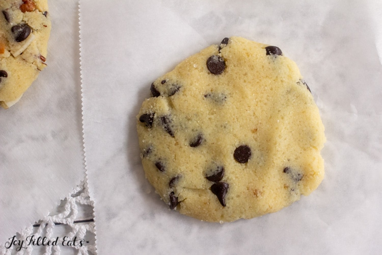 one of the variations of keto cookies with chocolate chips